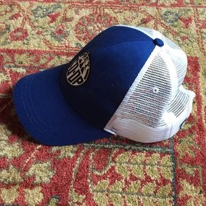 43ce66a16bd93 REI Accessories - rei co-op baseball trucker cap